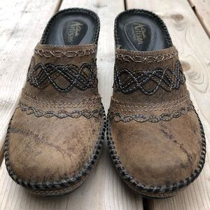 Clark's Artisan Collection distressed mule clogs
